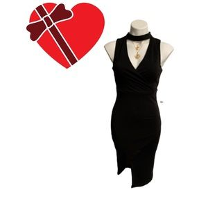 Almost Famous Black Dress Choker Style Collar NWT
